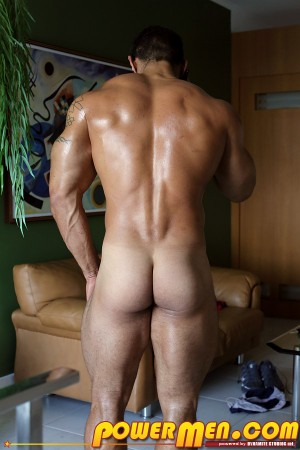 clayStone-bodybuilder-naked