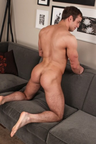 Jed-Sean-Cody-muscular-ass-bubble-butt-giant-booty-hot-ass-gay-porn-treasure-trail-defined-slightly-hairy-4-400x600